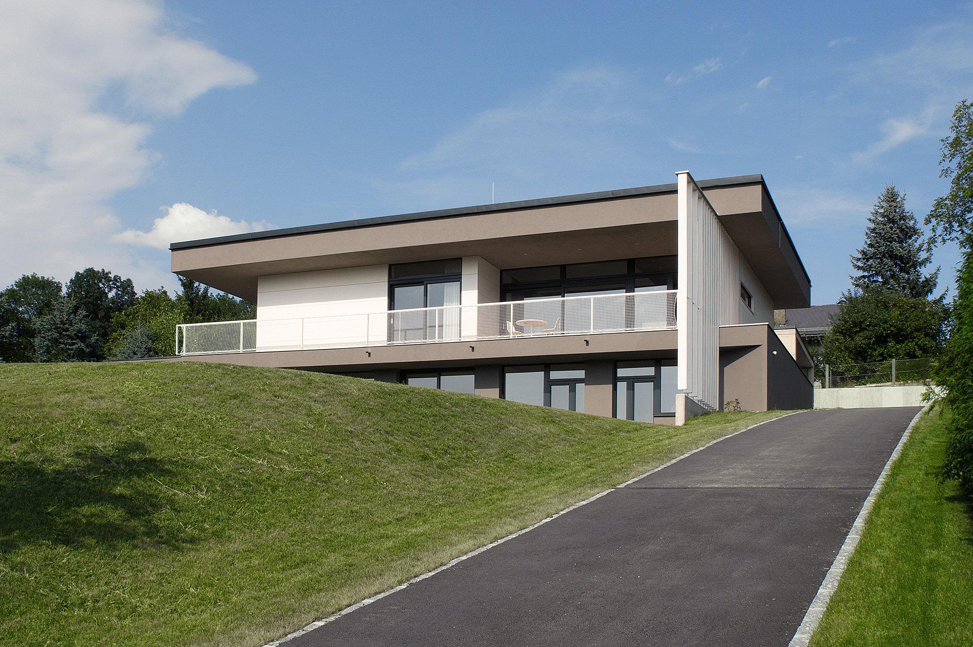 haus_g_06_einfamilienhaus_am_hang_steyr_oberoesterreich_junger_beer_architektur
