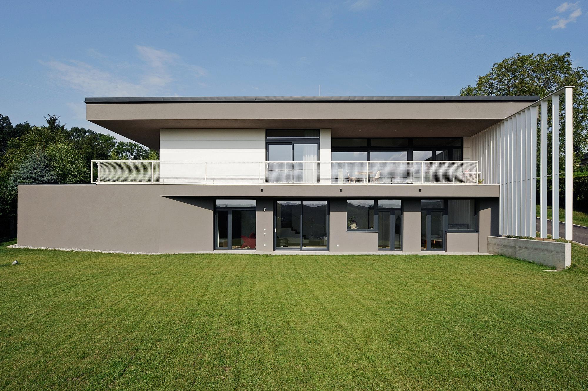 haus_g_07_einfamilienhaus_am_hang_steyr_oberoesterreich_junger_beer_architektur