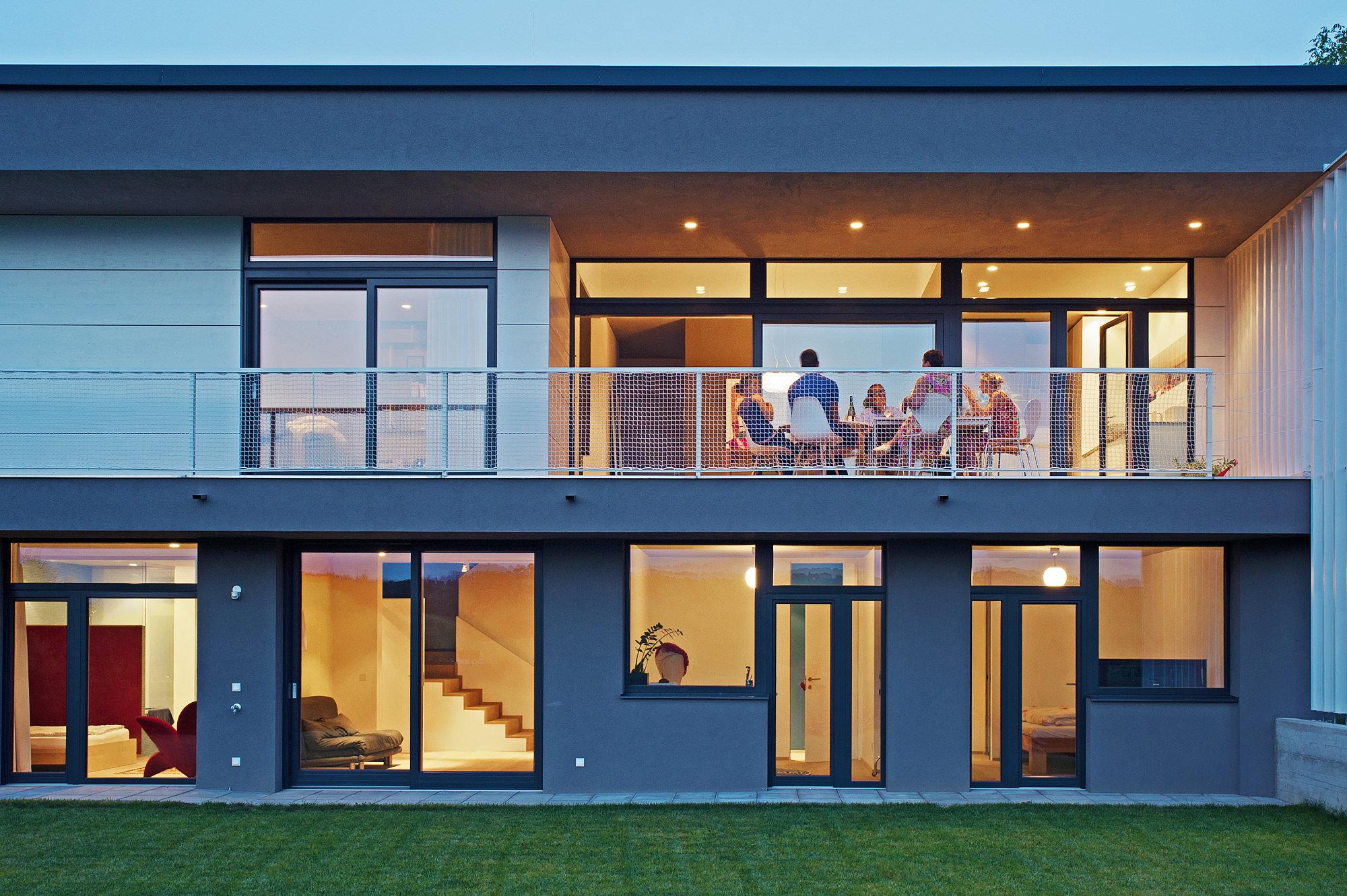 haus g 09 einfamilienhaus am hang steyr oberoesterreich junger beer architektur