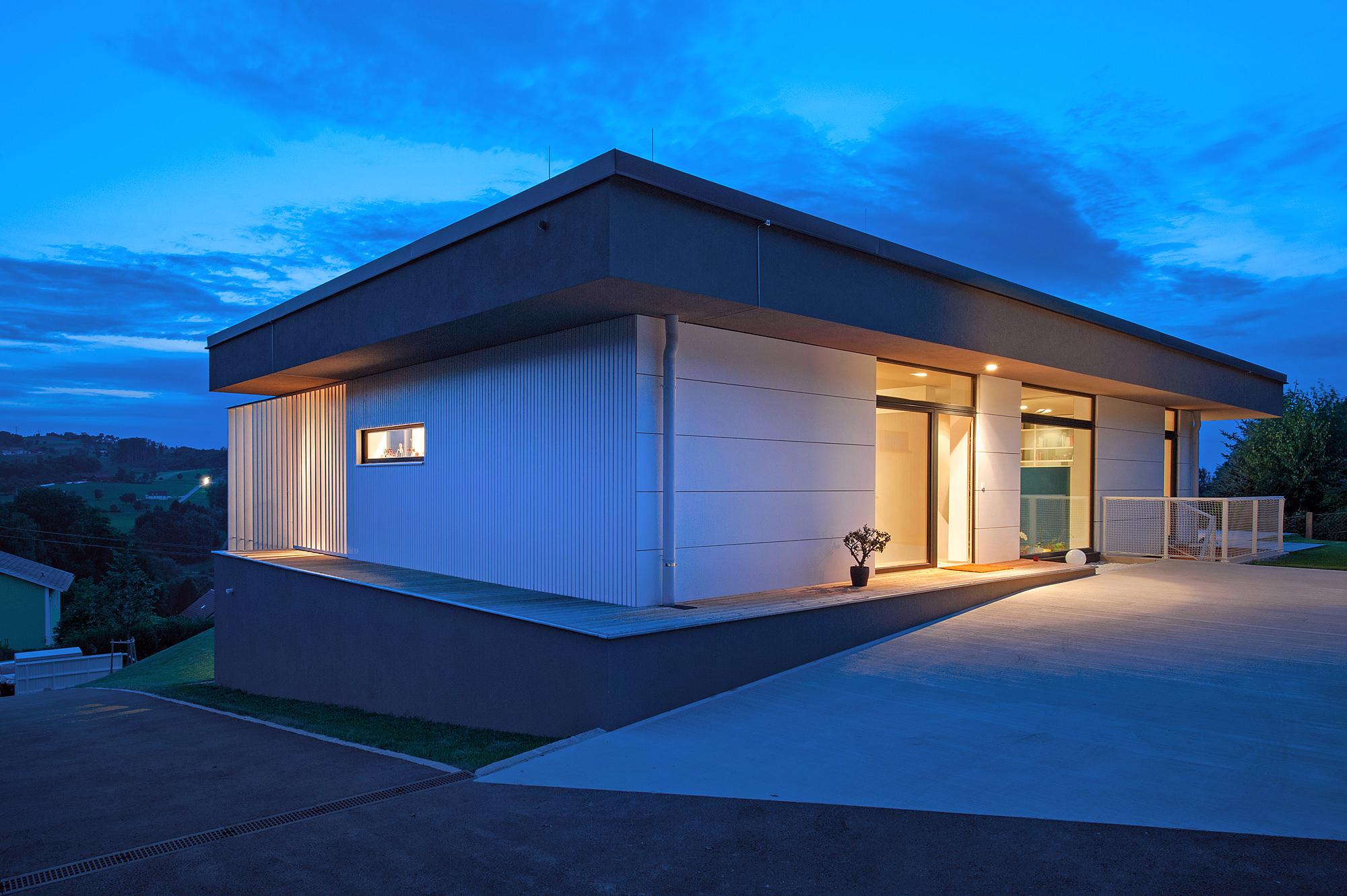 haus_g_11_einfamilienhaus_am_hang_steyr_oberoesterreich_junger_beer_architektur
