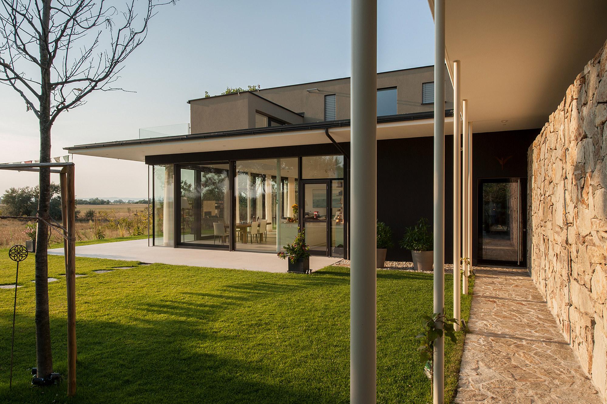haus_lk_02_einfamilienhaus_im_seewinkel_burgenland_junger_beer_architektur