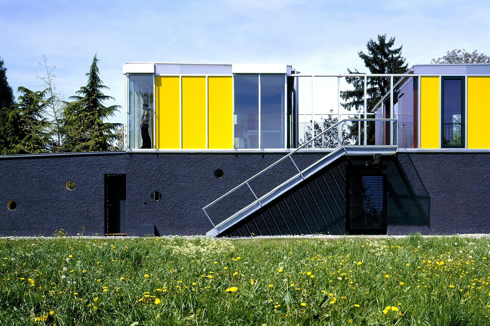 haus p 02 einfamilienhaus und buero in hard vorarlberg junger beer architektur