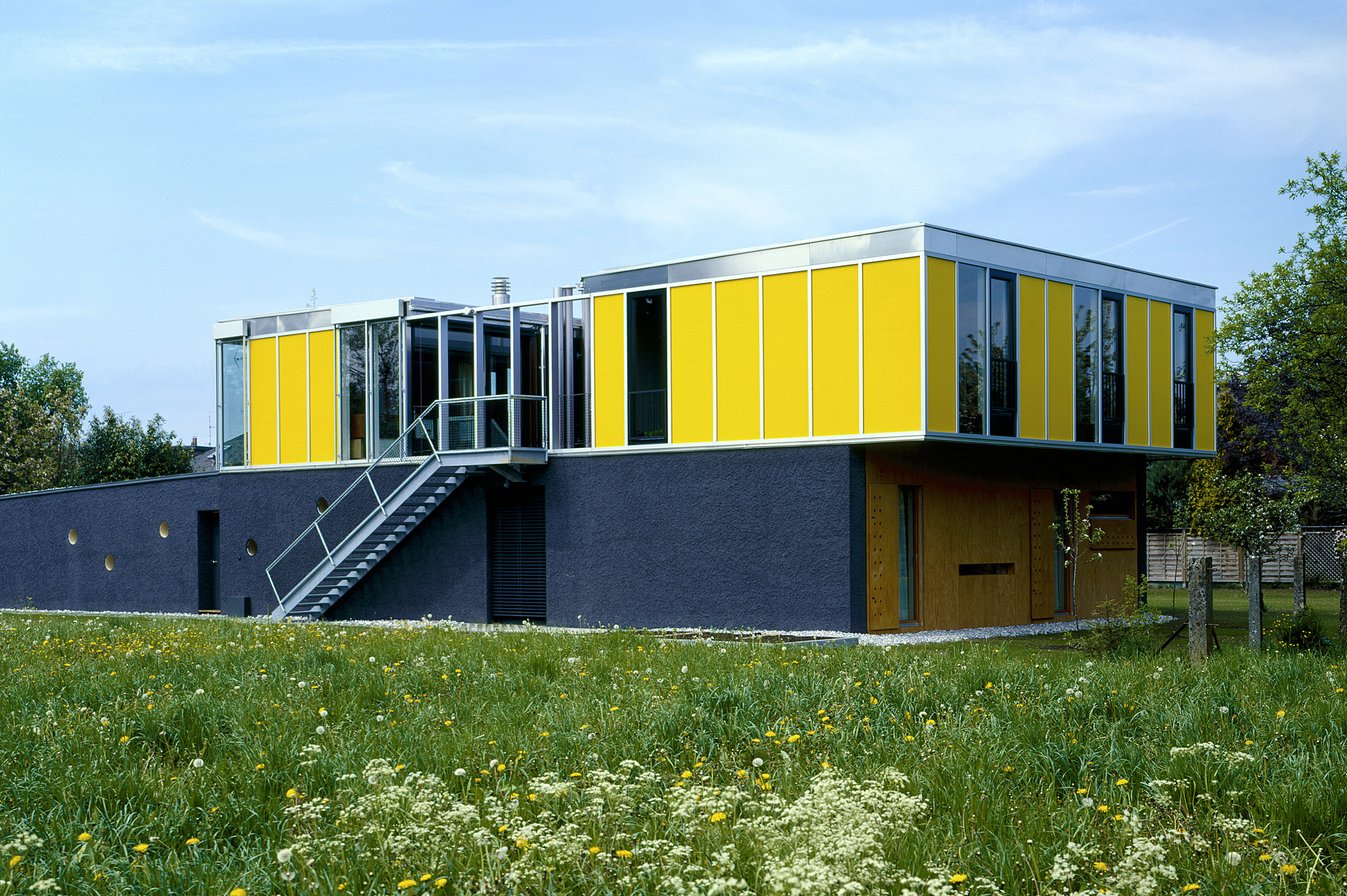 haus p 05 einfamilienhaus und buero in hard vorarlberg junger beer architektur