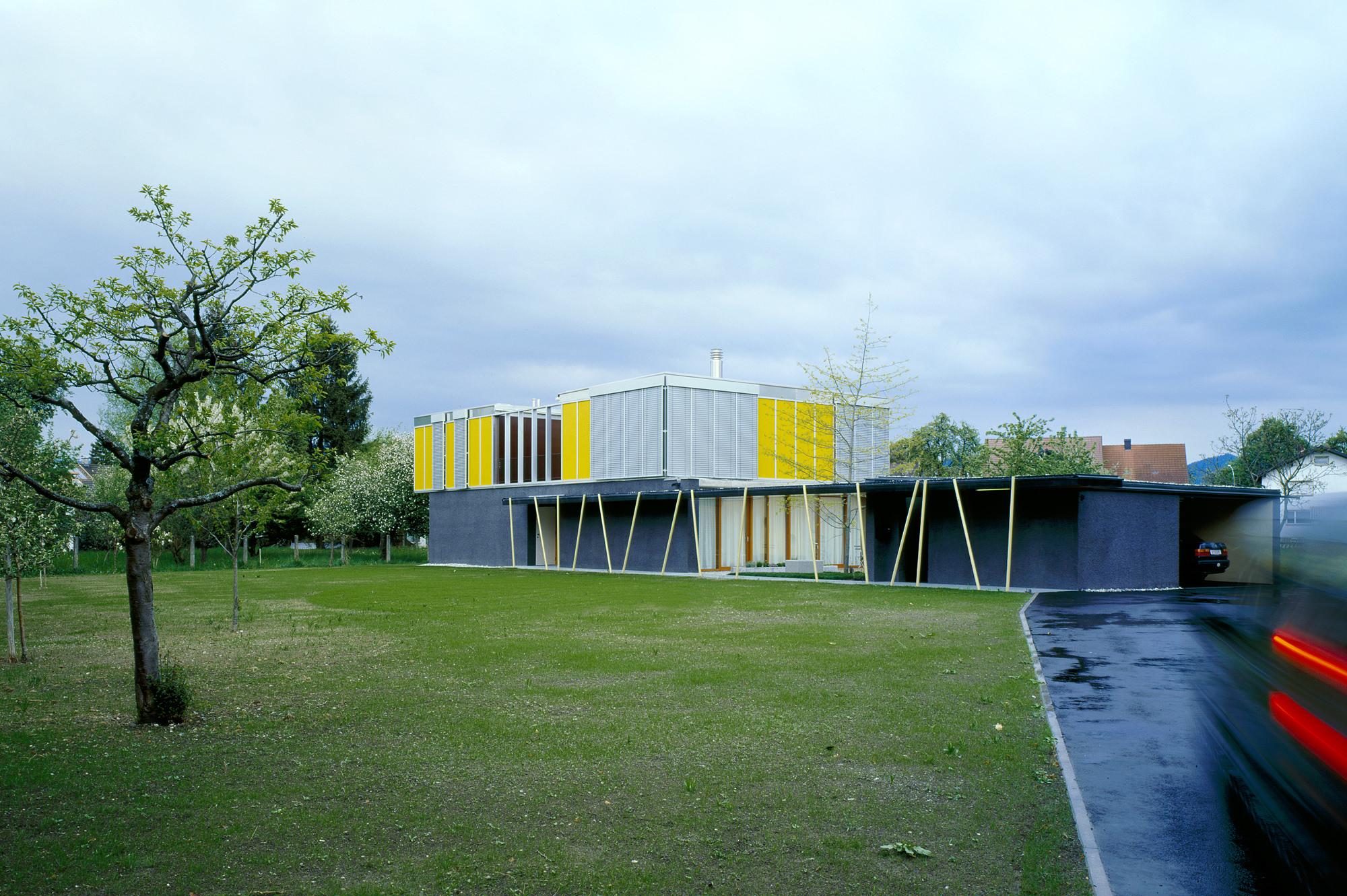 haus p 07 einfamilienhaus und buero in hard vorarlberg junger beer architektur
