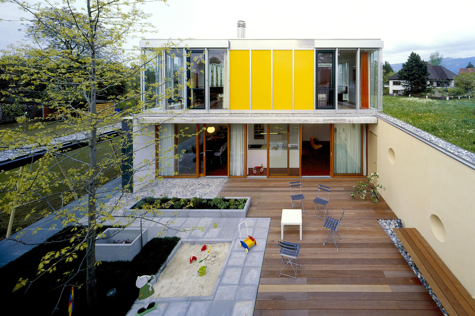haus p 08 einfamilienhaus und buero in hard vorarlberg junger beer architektur