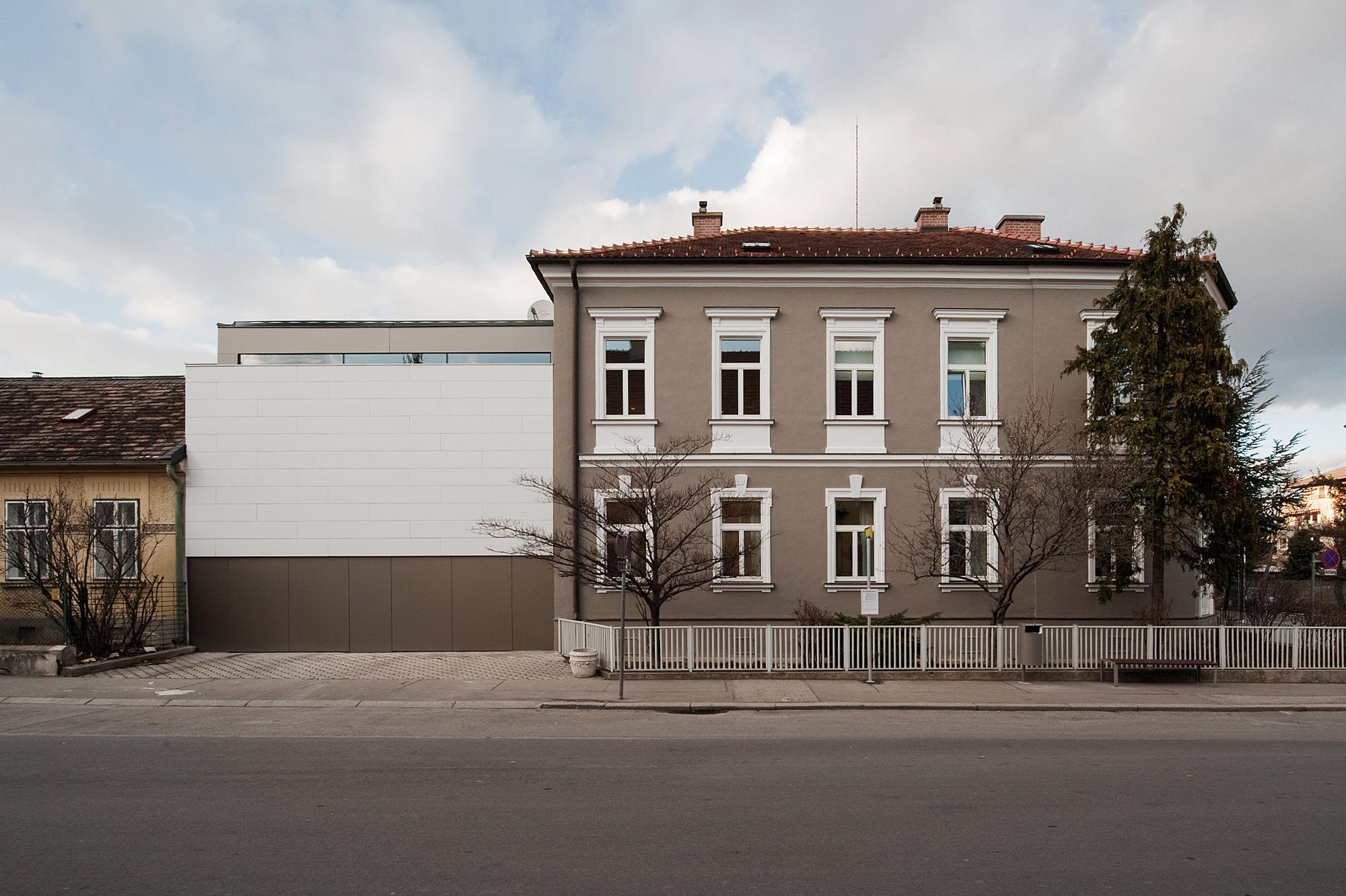 haus_s_11_umbau_und_erweiterung_einer_gruenderzeitvilla_baden_bei_wien_junger_beer_architektur